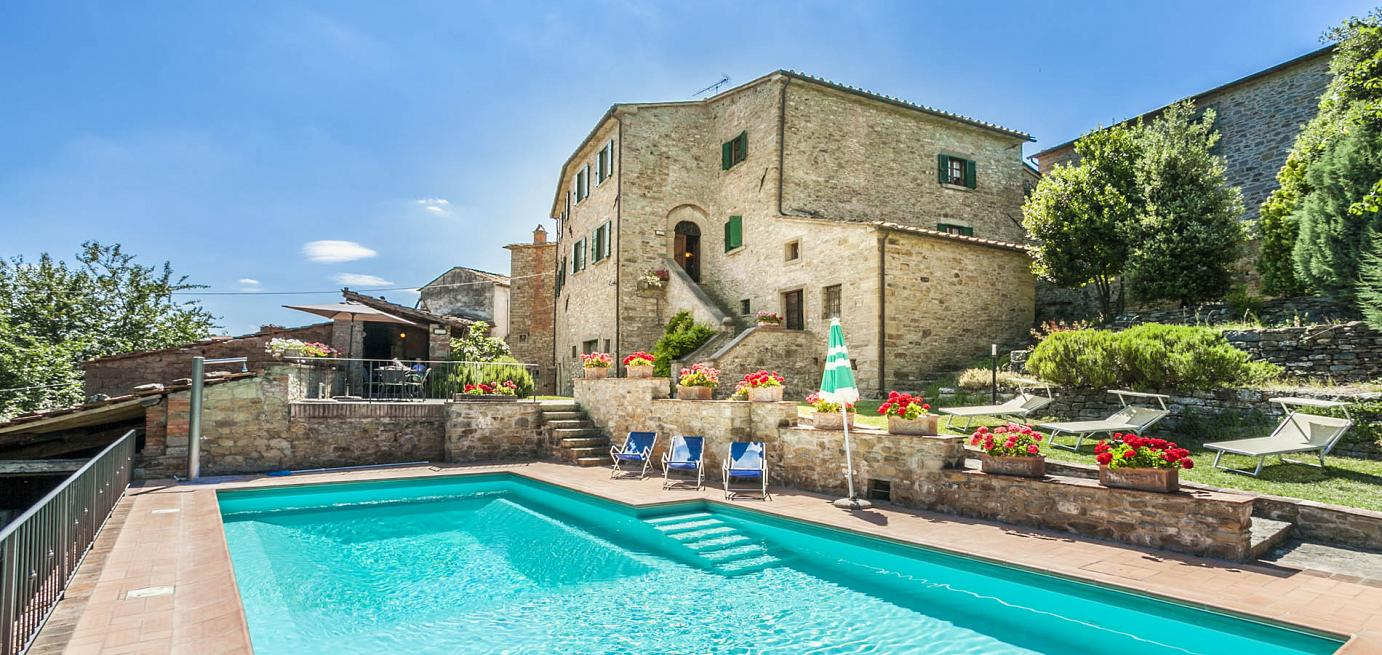 Casa Usignoli Tuscan villa for groups of up to 11 with pool